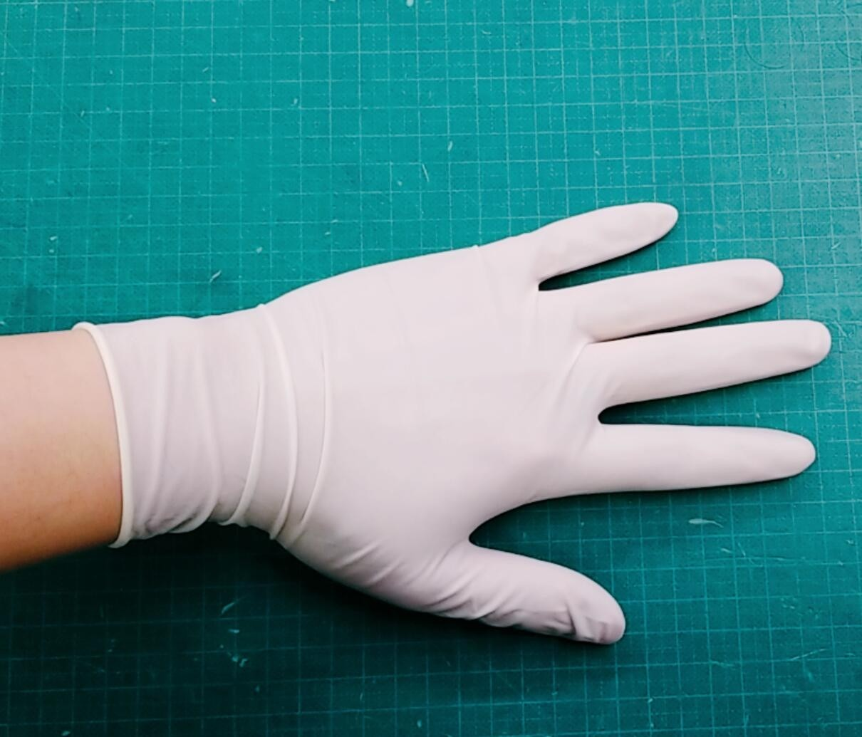 LATEX - WHITE MEDICAL EXAMINATION GLOVE (CLEANING, FOOD PROCEDDING, MEDICAL EXAMINATION)